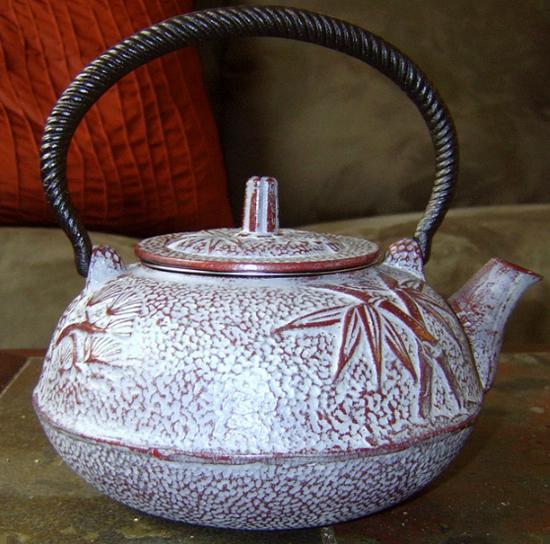 железный заварной чайник