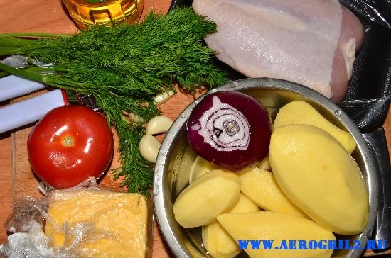Курица с овощами и картофелем под сыром