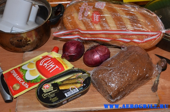 Закусочные бутерброды со шпротами