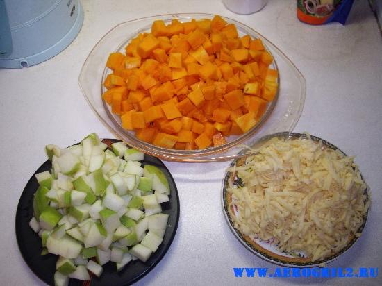 Тыква, запеченная с яблоком и сыром